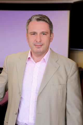 Ανδρέας Αθανασόπουλος Αντιπρόεδρος και Διευθύνων Σύμβουλος Dixons South East Europe