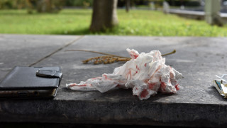 ΣΥΡΙΖΑ και ΝΔ καταδικάζουν την επίθεση κατά γυναικών από μέλη της Χρυσής Αυγής
