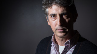 «Ο Λάνθιμος να επιστρέψει στη χώρα του»: ο Αλεξάντερ Πέιν για την Ελλάδα, τα σκάνδαλα και όλα