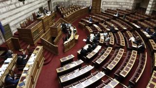 """""""Ναι"""" ΣΥΡΙΖΑ-ΑΝΕΛ στην τροπολογία για τις τηλεοπτικές άδειες. """"Όχι"""" ΝΔ-ΚΚΕ, """"παρών"""" ΔΗΣΥ, ΕΚ, Ποτάμι"""