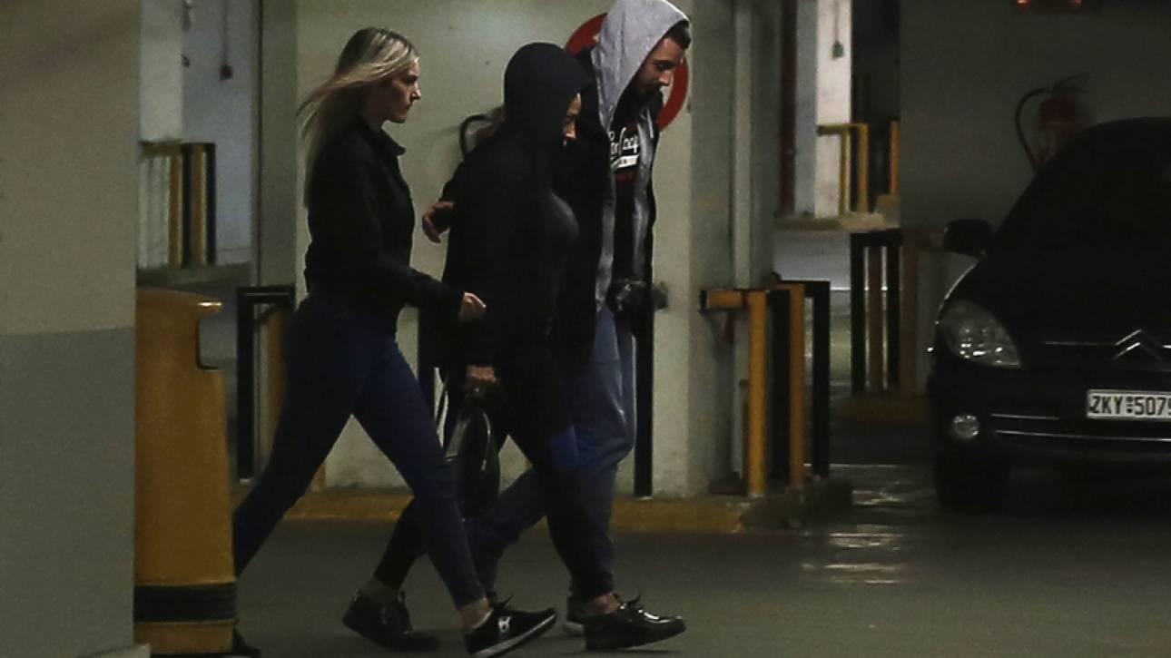Συνοδεία αστυνομικών μεταφέρθηκε στο πενταμελές εφετείο η Βίκυ Σταμάτη