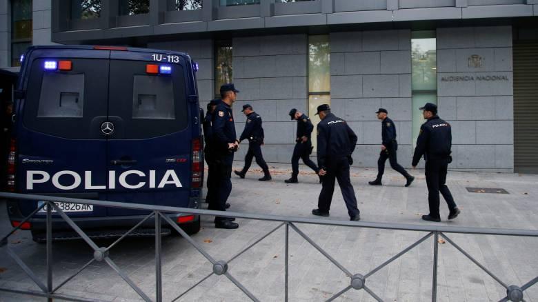 Ισπανία: Ενώπιον δικαστηρίου οι καθαιρεθέντες αυτονομιστές ηγέτες της Καταλονίας