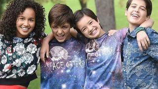 Disney: Γιατί η τηλεοπτική σειρά «Andi Mack» γράφει ιστορία