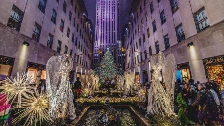 Xριστούγεννα 2017: 50.000 λαμπιόνια & αστέρι Swarowski 250 κιλών για το 86ο δέντρο της Νέας Υόρκης