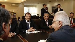 Δραγασάκη αντί για Τσίπρα είδε ο Τούρκος αντιπρόεδρος