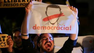 Στα δικαστήρια μεταφέρεται ο «εμφύλιος» Καταλονίας - Μαδρίτης (pics&vids)