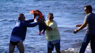 Καλόλιμνος: Τρεις νεκροί και πολλοί αγνοούμενοι από τη βύθιση σκάφους με πρόσφυγες