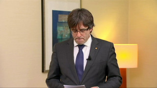 Ουδέτερη η στάση της ΕΕ για το ένταλμα σύλληψης του Πουτζντεμόν