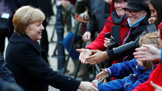 FAZ: Κενό εξουσίας σε Βρυξέλλες και Βερολίνο