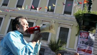 Der Spiegel: Η χαλάρωση της νομοθεσίας που επέβαλαν οι δανειστές, αιτία φτώχειας στην Ελλάδα