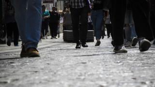 Ενδιάμεσες εκπτώσεις: Ποιες ώρες είναι σήμερα ανοιχτά τα καταστήματα