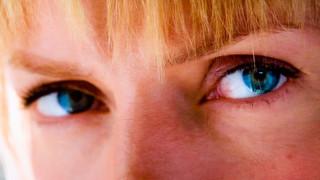 Ούμα Θέρμαν: θυμωμένη με το Χόλιγουντ των βιαστών αφήνει υπονοούμενα για αποκαλύψεις (vid)