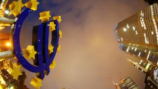 SZ: Μάχη για τη μεγάλη μεταρρύθμιση του ευρώ