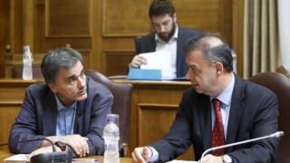 Τσακαλώτος: Λάθος τα στοιχεία του Γραφείου Προϋπολογισμού της Βουλής για το χρέος