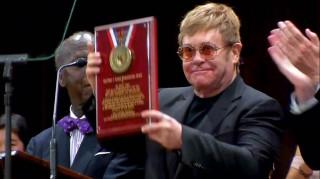 Έλτον Τζον: ανθρωπιστής της χρονιάς για το πανεπιστήμιο Χάρβαρντ