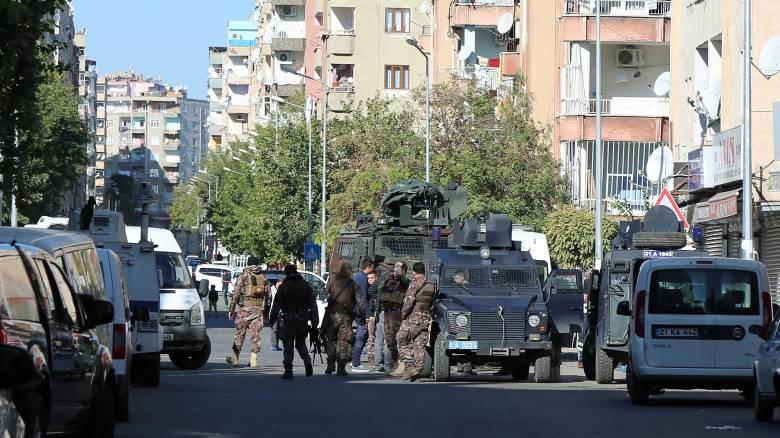 Τουρκία: Δεκάδες εντάλματα σύλληψης για εν ενεργεία αξιωματικούς του στρατού