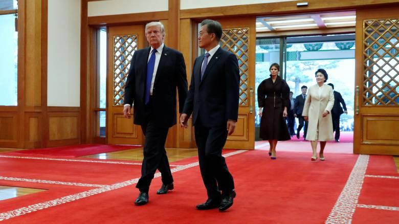 Επίσκεψη Τραμπ στη Σεούλ με αμερικανική επίδειξη ισχύος (pics&vid)