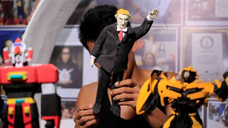 Ένας Τραμπ διαφορετικός, φτιαγμένος από ευτελή υλικά (pics)