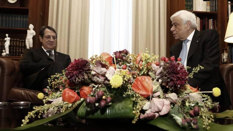 Συνάντηση Παυλόπουλου - Αναστασιάδη με ηχηρά μηνύματα για το Κυπριακό