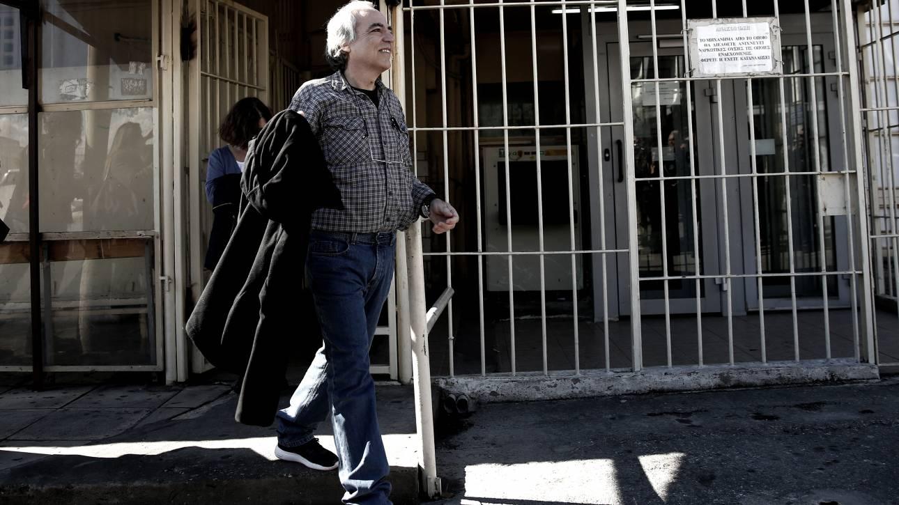 Ομοσπονδία Σωφρονιστικών Υπαλλήλων: Ο Κουφοντίνας δικαιούται άδεια