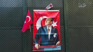 Θεσσαλονίκη: Κοσμοσυρροή στο τουρκικό προξενείο για την επέτειο θανάτου του Κεμάλ Ατατούρκ (pics)