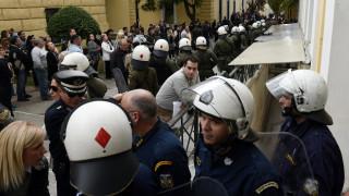 Υπόθεση Δώρας Ζέμπερη: Φυγαδεύτηκε ο δράστης μετά τον εγκλωβισμό του στην Ευελπίδων