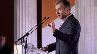 Θεοδωράκης: Πρέπει να συγκρουστούμε με το σάπιο καθεστώς της αναξιοκρατίας