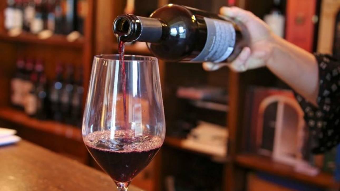 Πώς το κόκκινο κρασί αυξάνει τις πιθανότητες εγκυμοσύνης
