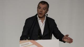 Θεοδωράκης: Η εκλογή της Κυριακής μπορεί να μετατραπεί σε «δημοψήφισμα»