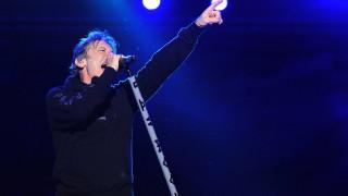 Μπρους Ντίκινσον: Ο φρόντμαν των Iron Maiden γράφει για τη ζωή του