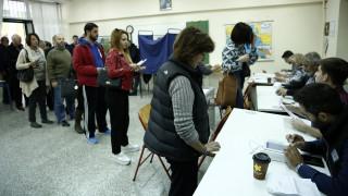 Εκλογές Κεντροαριστεράς: Τεράστια η συμμετοχή για την ανάδειξη του αρχηγού