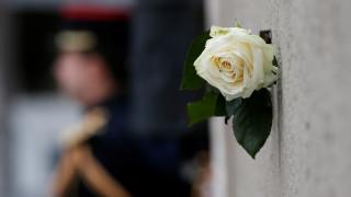 Δύο χρόνια μετά τη σφαγή - Το Παρίσι θυμάται και τιμά τους νεκρούς