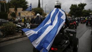 Δεκάδες «γουρούνες» στο κέντρο της Αθήνας κατά του νέου ΚΟΚ