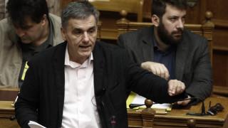 Πολιτική σύγκρουση για το κοινωνικό μέρισμα στη Βουλή