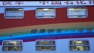 Ένα τρένο-νοσοκομείο που δίνει ελπίδα σε ασθενείς με καταρράκτη
