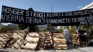 Σταμάτησαν την απεργία πείνας οι πρόσφυγες που είχαν κατασκηνώσει στο Σύνταγμα