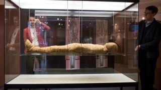 Αρχαιολόγοι ανακάλυψαν καλοδιατηρημένη μούμια της ελληνορωμαϊκής εποχής στο Κάιρο