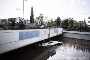 Εικόνες από την μεγάλη καταστροφή στη Μάνδρα
