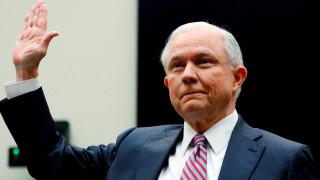 Time Warner: Ο Τζεφ Σέσιονς δεν απάντησε σχετικά με ενδεχόμενη εμπλοκή του Λευκού Οίκου στην εξαγορά