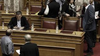 Με διαδικασίες express το κοινωνικό μέρισμα, αντιδράσεις από τα κόμματα