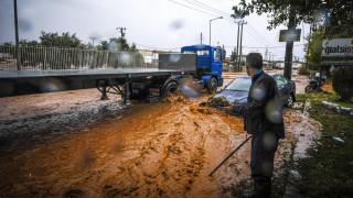 Κακοκαιρία: Σοβαρά προβλήματα στη Βόρεια Ελλάδα - Εκατοντάδες κλήσεις στην Πυροσβεστική (pics)