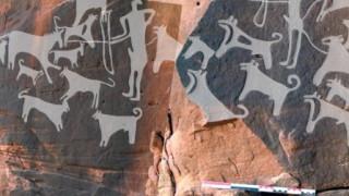 Ανακαλύφθηκαν οι αρχαιότερες απεικονίσεις σκύλων...ορισμένοι φοράνε λουρί (pic+vid)