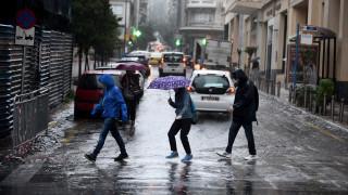 Σφοδρή βροχόπτωση στην Αττική, προβλήματα στους δρόμους