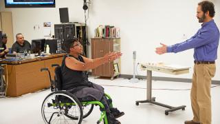 Αν είχες 4 εκ. δολάρια θα άλλαζες τις ζωές των ανθρώπων με παράλυση στα κάτω άκρα;