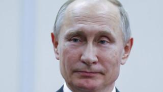 Κρεμλίνο: Άγνωστο αν θα θέσει υποψηφιότητα για την προεδρία ο Πούτιν