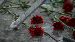 Επέτειος Πολυτεχνείου Θεσσαλονίκη: Στα σκουπίδια τα στεφάνια Βαρουφάκη και ΣΥΡΙΖΑ (pic)