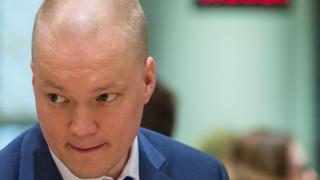 Φινλανδία: Υφυπουργός κρύφτηκε σε πορτ-μπαγκάζ για να συναντήσει κρυφά τον πρωθυπουργό