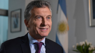 Έκτακτη προσγείωση έκανε το ελικόπτερο στο οποίο επέβαινε ο πρόεδρος της Αργεντινής