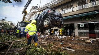 Δυτική Αττική: Ακόμη ένας νεκρός εντοπίστηκε στη Μάνδρα, 17 τα θύματα της τραγωδίας