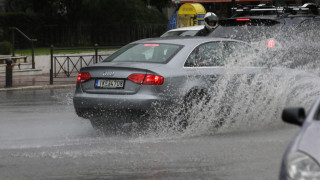 Κακοκαιρία: Προβλήματα και διακοπή κυκλοφορίας στο κέντρο της Αθήνας